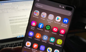 Fix Facebook that keeps crashing on Galaxy S10 after Android 10.
