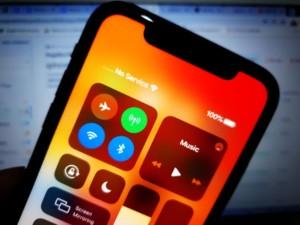 iphone11-can't-make-phone-calls